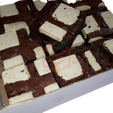 Beyaz Çikolatalı Brownie Cake (min. 10 Adet)    Gıda Ambarı